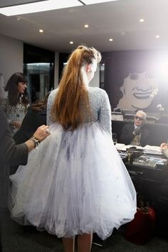 Making of the wedding dress, Chanel Spring 2012 Haute Couture