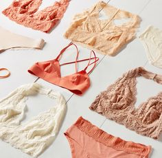 You abandoned your low-rise jeans in the early so why are you still wearing underwear that barely hits above your hip bones? Here are 11 pairs of sexy high waisted underwear to shop. Lingerie Shoot, Jolie Lingerie, Still Photography, Flat Lay Photography, Ropa Interior Retro, Flat Lay Inspiration, Design Inspiration, Foto Still, Underwear