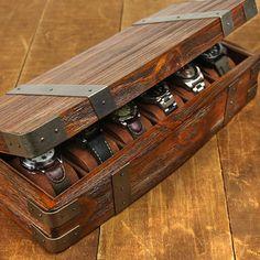 Caja de madera y chapas de hierro para joyería de relojes