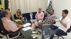 """O prefeito Pedretti em reunião que tratou do assunto      Após mais de dez anos de espera, as obras do """"Residencial Dorival Inocêncio"""" da ..."""