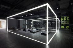 The Stylish Sweat: Coordination Asia Transforms Art Gallery into Nike Studio Beijing — KNSTRCT Gym Design, Stage Design, Booth Design, Retail Design, Fitness Design, Gym Interior, Studio Interior, Interior Design, Asian Interior