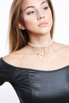 Bask in the desert heat with the Desert Sun Vegan Suede Choker! Material & Content -Vegan suede choker with chains and beads detail -Adjustable lobster clasp -Available in Natural and Grey Imported It