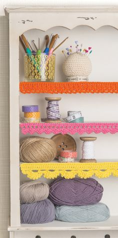 Make your shelves prettier and add a decorative touch with this free crochet edging pattern. It's great for hiding edges and easy enough for beginners!