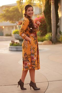 Our claudia mustard floral dress is lovely! Modest Dresses, Modest Outfits, Classy Outfits, Modest Fashion, Casual Dresses, Fashion Dresses, Casual Outfits, Floral Dress Outfits, Plus Size Fashion
