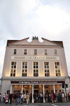 #125: Voir et être vu au Old Vic Mille, Mansions, House Styles, Home Decor, London, Things To Make, Decoration Home, Manor Houses, Room Decor