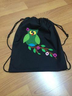 Keçeden baykuş desenli el yapımı sırt çantası'