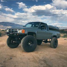 Bow down to your new master! This Yota now sports the new Cummins turbo crate motor! Toyota Pickup 4x4, Toyota Trucks, Lifted Ford Trucks, 4x4 Trucks, Custom Trucks, Toyota Hilux, Toyota Tundra, Extreme 4x4, Crate Motors