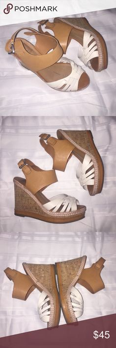 Dolce Vita wedges Summer perfect wedges, these wedges are sighting worn both shoes have minor marks located in the inner side of the shoes please see photos Dolce Vita Shoes Wedges