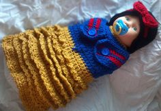 Snow White hat and cocoon wrap  Halloween costume by ExpertCraftss