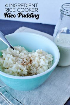 How to Make Rice Pudding in a Rice Cooker or Instant Pot! 4 Ingredient Rice Cooker Rice Pudding- the easiest rice pudding to make & tastes amazing! Plus giveaway from Thirty Handmade Days Rice Cooker Rice Pudding, Easy Rice Pudding, Aroma Rice Cooker, Rice Cooker Recipes, Rice Recipes, Crockpot Recipes, Dessert Recipes, Cooking Recipes, Pudding Recipe