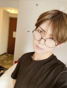 Jung Woo Young, You Are My Friend, Man Crush Monday, Kim Minseok, Kim Hongjoong, Having A Crush, Kpop Boy, Boyfriend Material, My Sunshine