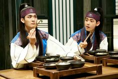 Taehyung and Yoonwoo ❤ Hansung and Yeowool in Hwarang Photo! #BTS #방탄소년단