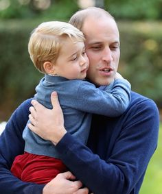 - Photo - Prince William and Kate Middleton will be hands-on parents when it comes to their son Prince George's school activities, in a bid to give him a sense of normality William Kate, Kate Middleton Et William, Prince William Family, Prince George Alexander Louis, Prince William And Catherine, Duke William, Princesa Diana, Princesa Charlotte, Prinz Philip