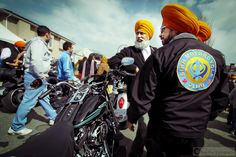 Sikh Motorcycle Club    ::    The Sikh Motorcycle Club is the only one of its kind in all of Canada.