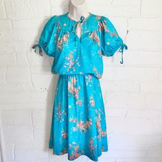 Short Sleeve Dresses, Dresses With Sleeves, Link, Stuff To Buy, Fashion, Moda, Sleeve Dresses, Fashion Styles, Gowns With Sleeves