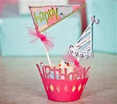 Add some excitement to your next birthday party with these cute cupcake wrappers