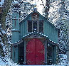 The prefabricated building, made from corrugated iron, was used as a chapel for more than 100 years after being erected in Muxton, Shropshire in Old Home Renovation, Canopy And Stars, Modern Church, Unusual Buildings, Old Houses, Small Houses, Hiding Places, Amazing Spaces, Beautiful Homes