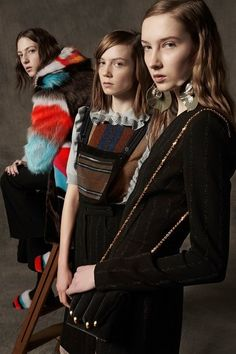 View the full Marco de Vincenzo Pre-Fall 2017 collection.