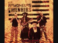 ▶ Les Ramoneur de Menhirs La Blanche Hermine (G. Servat).wmv - YouTube https://www.youtube.com/watch?v=6K_k59atQQw #bretagne #dignité - ca change des #enfoirés
