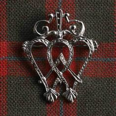 Clan Macnab products in the Clan Tartan and Clan Crest, Made in Scotland…. Free worldwide shipping available