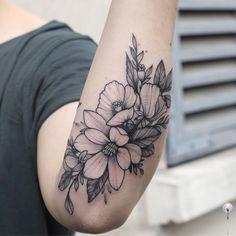 Magnolia 's mood #floraltattoo #floral #blacktattooing #tattoo #tattooed #tattooartist #botanicaltattoo #blackwork #blxckink #blacktattooart #blacktattoos #amazinink #annabravo #dotworktattoos#dotworktattoo #wowtattoo #inked #dotworkers#iblackwork#inked#tattooart#botanicaltattoo#linework#inkedmag#inked#inkedup#blackinkedart#blackart#t2me#inkstinctsubmission#onlyblackart