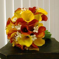 Pretty fall bouquet with stephanotis
