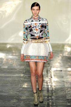 Mary Katrantzou Fall 2011 Ready-to-Wear Fashion Show - Caroline Corinth