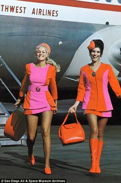 Long legs were a must: Qualifications for becoming a stewardess included being a young, pretty, thin, and single woman Sixties Fashion, Retro Fashion, Vintage Fashion, Airline Uniforms, Moda Vintage, Girls Uniforms, Flight Attendant, Models, Mini Skirts