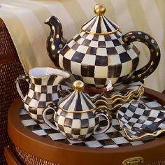 cute tea set...for Carol Hayes!