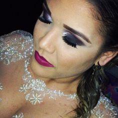 Muito amor por esta makeup amo quando minhas clientes dizem- pode arrasar gata!  @keyla_matos_  muito obrigado pela confiança adorei o resultado  #ProducaoMakeupByKaline  #formaturapm  #pmpi  #makeup#motivescosmetics #anastasiabeverlyhills #instamakeup  #supervaidosa  #auroramakeup #vegas_nay #vanitymakeup  #trendmood #maquiagem #makeupguru  #makeupdolls #makeupmafia  #makeupaddict  #makeupblogger  #تجميل #مكياجات #макияж #прическа #стилист  #셀스타그램 #셀카 #메크업 #버건디 #뷰티스타그램…