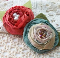 Wrinkle ribbon flowers