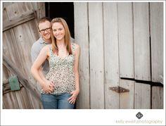 Natural light engagement portraits at Janelia Farm in Ashburn VA