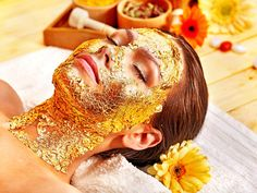Woman getting facial mask . Woman getting gold facial mask , Anti Aging Treatments, Facial Treatment, Skin Treatments, Beauty Spa, Beauty Hacks, Top Beauty, Face Beauty, Luxury Beauty, Clean Beauty