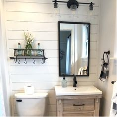 Half Bath Remodel, Diy Bathroom Remodel, Diy Bathroom Ideas, Bathroom Organization, Pool House Bathroom, Upstairs Bathrooms, Small Bathroom Designs, Small Rustic Bathrooms, Small Bathroom Interior