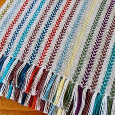 Woven Cotton, Cotton Linen, Loom Weaving, Hand Weaving, Weaving Projects, Weaving Patterns, Table Runners, Fiber Art, Spinning