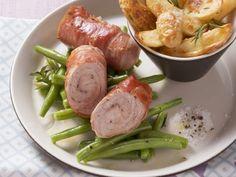 Schnitzelrouladen mit Kartoffel-Wedges ist ein Rezept mit frischen Zutaten aus der Kategorie Schwein. Probieren Sie dieses und weitere Rezepte von EAT SMARTER!
