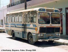 Girón V - cuba Cuba Cars, Heavy Machinery, Car Drawings, Busses, Classic Cars, America, Drawings Of Cars, Vintage Classic Cars, Usa