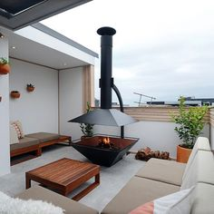 The Block Glasshouse: Appartement 6 Semaine 1 l Terrasse, Cuisine Rooftop Terrace, Terrace Garden, Roof Terrace Design, Terrace Ideas, Outdoor Rooms, Outdoor Living, Outdoor Decor, The Block Glasshouse, String Lights Outdoor