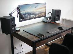 Simple DIY computer desk ideas. #diycomputerdeskideasonabudget - ziogiorgio.info