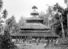 Masjid di Samalanga, Aceh, antara tahun 1880-1910. Foto koleksi Tropenmuseum.