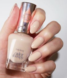 Sally Hansen Color Therapy Nail Polish in Re-Nude Gel Manicure Nails, Blush Nails, Fall Manicure, Manicure Ideas, Nail Tips, Quick Dry Nail Polish, Cheap Nail Polish, Gel Nail Polish Set, Vaseline