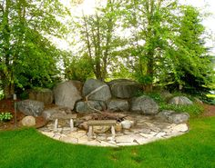 OUTDOOR FIREPIT WITH BOULDERS   Outdoor Fireplaces and Backyard Fire Pits
