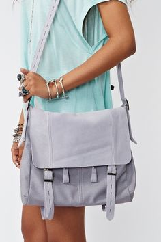Lilac messenger bag. Love this color.