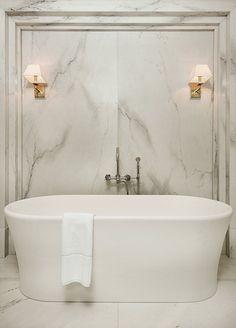 modern luxury bathroom design ideas for your home | www.bocadolobo.com #bocadolobo #luxuryfurniture #exclusivedesign #interiodesign #designideas #homedecor #homedesign #decor #bath #bathroom #bathtub #luxury #luxurious #luxurylifestyle #luxury #luxurydesign #tile #cabinet #masterbaths #tubs #spa #shower #marble #luxurybathroom #bathroomdesign #bathroomdecor #bathroomdecorideas #bathroombathtubmodern #bathroomcabinetsluxury