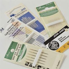 """Basic Supplies - A Visual Guide Hand Needles For hand appliqué, most quilters like fine quilting needles. For hand quilting, use a """"between"""" or quilting needle, which is a short needle with a small eye. Common sizes are and size 8 is best for beginners. Sewing Kit, Sewing Hacks, Hand Sewing, Sewing Crafts, Quilting Tips, Hand Quilting, Sewing Needles, Hand Applique, Gold Eyes"""