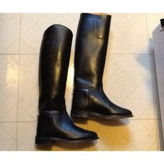 "Gorgeous Vtg NORTH HAMPTON BLACK Leather Riding Boots, Women's sz 6.5 (medium width). The boots stand 19 1/2"" tall (measured heel to highest point) and 3 1/2"" at the widest. Made in England, these boots are made with pricey leather and are lined with very supple calfskin leather on the top 5"" of the interior-nicely broke-in. Leather soles are excellent and solid! Heels have no uneven wear. Absolutely no rips, stains, nor odors; very light scuffing is visible. Still. a very solid boot!"