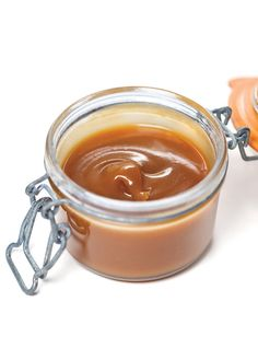Caramel au beurre salé à tartiner, French Salted Butter Caramel Spread (translator upper right corner)