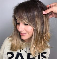 Medium Hairstyle with Bangs for Women Inverted Hairstyles, Side Bangs Hairstyles, Bob Hairstyles, Bangs With Medium Hair, Cute Hairstyles For Medium Hair, Cute Medium Haircuts, Lob With Bangs, Messy Wavy Hair, Medium Hair Styles For Women