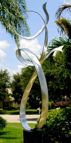 Modern Art Metal Abstract Garden Sculpture Alure / By Jon Allen Beth look at this one!