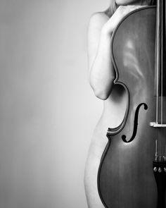 Beautiful curves.  #music #cello #inspiration #photo